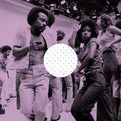 The Roller Disco Era Through 40 Groovy Photos and Cool Facts Roller Disco, Shall We Dance, Lets Dance, Soul Train Dancers, Boogie Wonderland, Hip Hop, Vintage Black Glamour, Vintage Soul, Retro Vintage