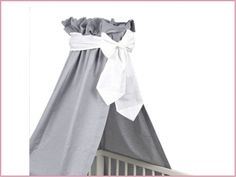 Feine Babyausstattung, Wickelauflagen, Kinderzimmerlampen & Kinderteppiche - Betthimmel für das Babybett in Oxford grau mit Schleife weiss SABH1 60€