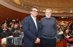 Gino Strada agli studenti di Modena: Impegnatevi per la pace