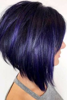 55 Ideas Of Inverted Bob Hairstyles To Refresh Your Style Hair inverted bob hair color ideas - Hair Color Ideas Hairstyles For Fat Faces, Messy Bob Hairstyles, Bob Haircuts For Women, Short Bob Haircuts, Haircut Bob, Hairstyles 2018, Stacked Bob Haircuts, Edgy Medium Haircuts, Haircut For Fat Women