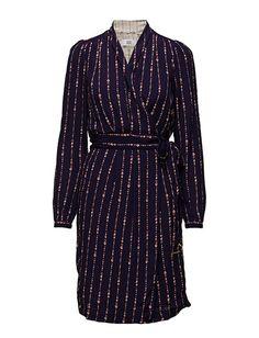 Vi har Noa Noa Dress Long Sleeve (Print Purple) i lager på Boozt.com, för enbart…