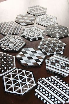 Unterseite Source by You may believe that the real history of handcrafted beaded jewelry ca Hama Beads Coasters, Diy Perler Beads, Perler Bead Art, Pearler Beads, Fuse Beads, Hama Coaster, Perler Bead Designs, Perler Bead Templates, Hama Beads Design