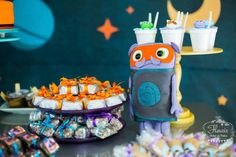 Home Inspired Alien Birthday Party via Kara's Party Ideas | The Place For All Things Party! KarasPartyIdeas.com (7)