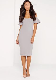 Bardot dresses are what every Missguided girls wardrobe is craving this season! In a standout shade of ice grey, our fave figure flattering bodycon fit and frill detailing, this midi dress is perfect! Wear with a pair of barely there heels ...