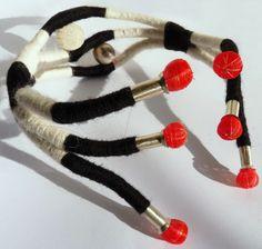 Vania Ruiz l casaKiro, Chile - wool and steel necklace