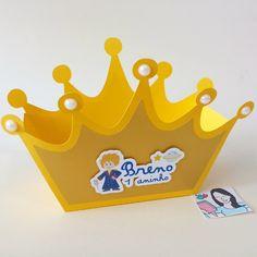Centro de mesa coroa personalizada.  Ideal para festa no tema Princesa, Príncipe, Coroa, Pequeno Príncipe etc.    Medidas: 14cm de comprimento