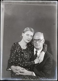 Theodore Miller with his daughter Lee Miller, 1931