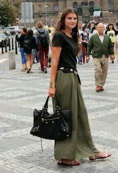 ♡Bohemian dressed.  Great fashion!