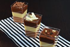 Mousse 3 chocolate Fancy Schmancy, Homemade Food, Yummy Cakes, Cake Pops, Delicious Food, Mousse, Bakery, Deserts, Favorite Recipes