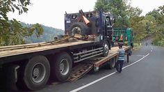 Nissan Truck Diesel Engine Valve Was Broken Rose Fuso Self Loader Truck