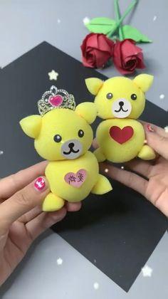 Diy Crafts For Teen Girls, Diy Crafts For Adults, Easy Diy Crafts, Craft Stick Crafts, Diy Crafts To Sell, Fun Crafts, Best Friends Cartoon, Friend Cartoon, Towel Crafts