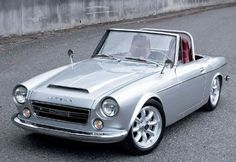 1969 Datsun Roadster. Hint to Nissan, go retro!!