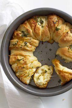 Cheesy Garlic Herb Pull Apart Bread | girlversusdough.com @girlversusdough