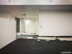Vorbereitung eines modernen Großraumbüros in einem Neubau am Hafenplatz in Münster in Westfalen im Münsterland