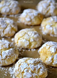 : fluffy biscuits with lemon. ~ Biscotti Morbidi al limone. Easy Smoothie Recipes, Snack Recipes, Lemon Biscotti, Fluffy Biscuits, Lemon Cookies, Biscuit Cookies, Fall Desserts, How Sweet Eats, Ice Cream Recipes
