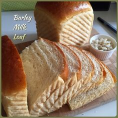 A nice soft loaf which not only gives good source of dietary fibre, but also a good way to salvage the barley pearls after preparing the bar. Bread Maker Recipes, Yeast Bread Recipes, Loaf Recipes, Bread Tin, Bread Cake, Easy Bread, Barley Loaf Recipe, Barley Recipes, Baking Buns