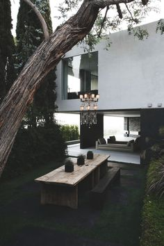 produce-fruit:  envyavenue:  Openhouse / XTEN Architecture  The contrast of the wood against the deep green is perfect