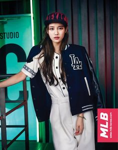 Casual sports brand 'MLB' released new pictures of model Suzy for the 2014 fall and winter season!Suzy sheds her usual image of an innocent, sweet gir…