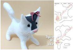 Como hacer gatos con moldes Diy Cat Toys, Cat Pattern, Fabric Dolls, Dinosaur Stuffed Animal, Tote Bag, Sewing, Create, Handmade, Animals
