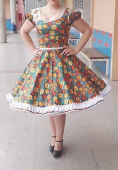 Huasa Clogs Outfit, Girls Dresses, Summer Dresses, Rockabilly Fashion, Frocks, Baby Dress, Vintage Inspired, Chiffon, Vintage Fashion