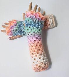 READY TO SHIP Crochet Ombre gloves Fingerless gloves Dragon