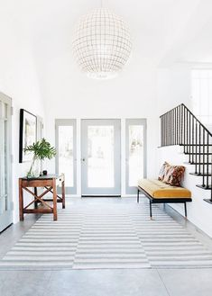 Foyer Ideas Entryway Entrance Foyer and Entryway Decorating Tips and Ideas Fascinating Foyer Ideas Entryway Entrance. The first thing anyone sees when they come over to visit you is the entryway or… Home Design, Design Entrée, Flur Design, Deco Design, Design Trends, Home Living, Living Spaces, Living Room, Apartment Living