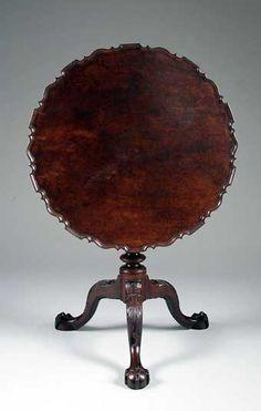 CHIPPENDALE MAHOGANY TILT-TOP PIECRUST TEA TABLE, PHILADELPHIA, circa 1765, H. 28in.; Diam. 30in.