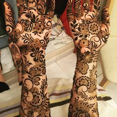 Henna artist expert in all types of henna designs. (Bridal henna) For bookings Contact me 0501491568 Home service available in Sharjah ,Dubai&ajman.