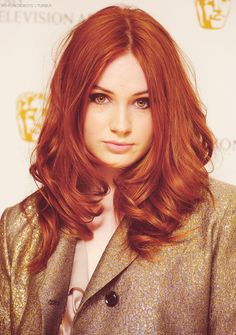 Totally love Kazza! Karen Gillan always has perfect hair.... Definitely thinking I want to try red, but not sure how it would look on my skin color.