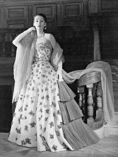 1951 Sophie in entrance-making ball gown by Jacques Fath, photo by Willy Maywald