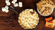 Looking for a knockout dessert to share with your guests during a cookout? This epic s'mores dip definitely fits the bill. You don't need a campfire to make this delicious take on s'mores. All you need is a cast iron skillet, your traditional s'mores. Yummy Snacks, Yummy Treats, Yummy Food, Sweet Treats, Delicious Recipes, Tasty, Dip Recipes, Snack Recipes, Dessert Recipes