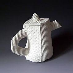Lynn Friedmann-Kuhn.  Keramik kunst schweiz - schweizer kuenstler - galerien keramik