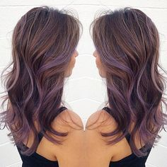 This #hairinspo from @chiyukihair is giving us all of the tousled wave feels 🙀 Tag a friend who needs some purple in their lives!