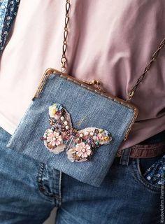 Embroidery Purse, Embroidery On Clothes, Handmade Purses, Handmade Beaded Jewelry, Do It Yourself Fashion, Potli Bags, Diy Handbag, Beaded Brooch, Beaded Bags