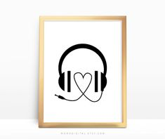 SALE   Heart Headphones Music Headphones Music von MomoDigital