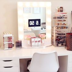 """Happy Saturday beauties!So glamorously in love & inspired by @dianachantel beauty room!She also has her White Glam Brush Book brushes on her vanity for display!Ooh yes! She also said """"they are the softest brushes ever!""""You will definitely see more of them in her upcoming videos!#brushbooks #glitterandgold #slmissglambeauty #pinkglam"""