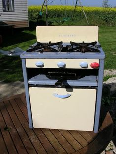 Vintage Retro Bluebird Enamel Caravan, Beach Hut, Camping gas cooker stove oven