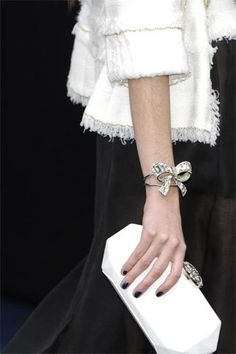 Celebrities who use a Chanel Spring 2008 Bow Bracelet. Also discover the movies, TV shows, and events associated with Chanel Spring 2008 Bow Bracelet. Coco Chanel, Chanel Bags, Chanel Handbags, Chanel Clutch, Chanel Jacket, Fashion Mode, Moda Fashion, Womens Fashion, Hippie Style