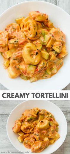 Creamy Tomato Basil Tortellini With Zucchini - Homemade Mastery Tortellini Sauce Recipes, Vegan Recipes, Cooking Recipes, Vegan Food, Dinner Options, Tomato Basil, Pasta Dishes, Entrees, Zucchini