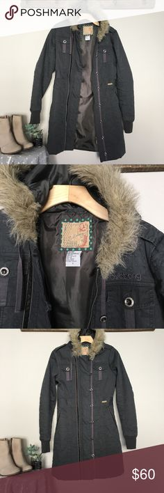 Billabong Hooded Faux Fur Parka Size Small Beautiful long parka jacket with quilted design and a faux fur hood. Hood is not removable. Excellent condition, only lightly worn a few times. Zipper and button down. Billabong Jackets & Coats Trench Coats