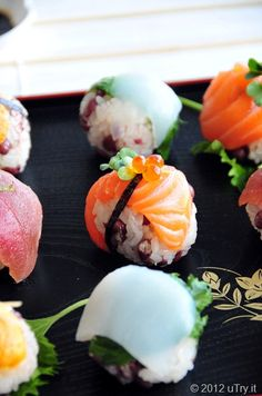 Mochi Rice & Adzuki Beans Sushi Balls! These are so incredibly cute. Must make, must nom.