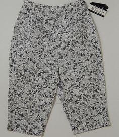Bay Studio Petite Women's White And Black Floral Capris, Cropped Pants Sz 8P NWT #BayStudio #CaprisCropped
