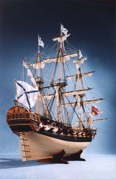 Выскококачественная фотография модели парусного фрегата Россия