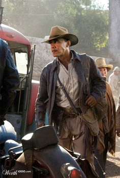Indiana Jones - Harrison Ford (I loved all of the Indie movies) Indiana Jones Kostüm, Indiana Jones Halloween Costume, Harrison Ford Indiana Jones, Moda Safari, Henry Jones Jr, Chapeau Cowboy, Steven Spielberg, Indie Movies, Cinema Movies