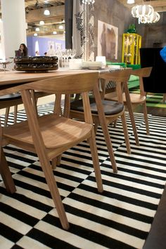 contemporary furniture Ikea Stockholm Table and Chairs. Very MCM-looking! Is it better to hold out for vintage But finding a vintage set in good condition that seats 8 is not so easy. You are on my radar, Stockholm. Cheap Dining Chairs, Wooden Dining Room Chairs, Outdoor Dining Furniture, Mid Century Dining Chairs, Kitchen Chairs, Patio Chairs, Kitchen Furniture, Ikea Chairs, Ikea Dining Table Hack