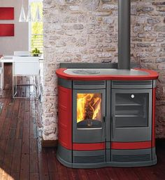 The new wood burning stove with oven and cooktop, Perla from Vescovi Fire offers the timeless design of the wood-burning cooker in modern interpretation, representing a harmonious blend of tradition and innovation.
