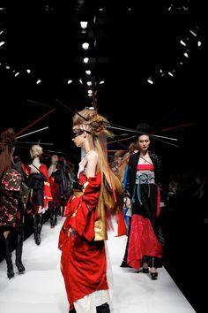X Japan Leader Yoshiki Debuts Kimono Collection at Mercedes-Benz Fashion Week in Tokyo - Interest - Anime News Network