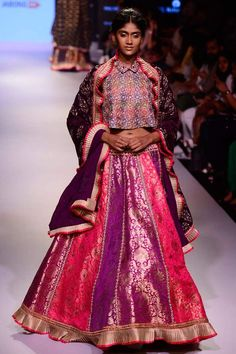 Top 15 Elegant Women's Ethnic Wear Fashion Trends in 2018  - The Indian fashion industry is continuously evolving to getting better new trends with each passing day. So to keep up with its dynamic nature and not to miss any of it, check out these stylish ethnic wear trends -   -  #Women'sEthnicclothes #Women'sEthnicWearFashionTrends #topten #top10 #onlinemagazine #toptenymagazine #trends #top10lists - Get More at: http://www.topteny.com/elegant-womens-ethnic-wear-fashion-trends/