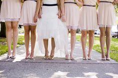 ► Vestidos de color rosa para las damas de honor. #bodas #rosa