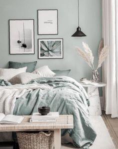 Bedroom Green, Room Ideas Bedroom, Home Decor Bedroom, Modern Bedroom, Guest Bedrooms, New Room, Room Inspiration, Bath Paint, Decorative Paintings